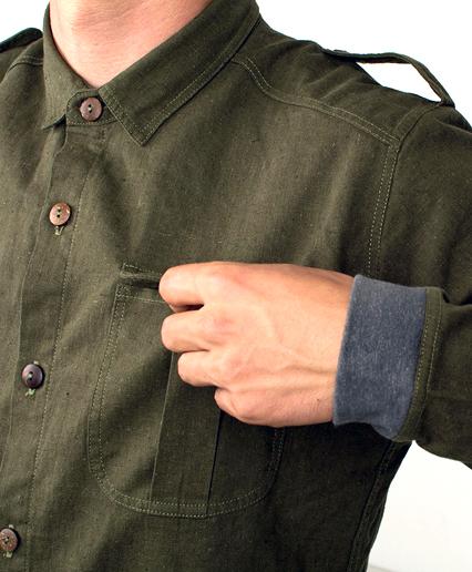 Foto detalle de la manga de la prenda. Diseño web por kokotxanel.com